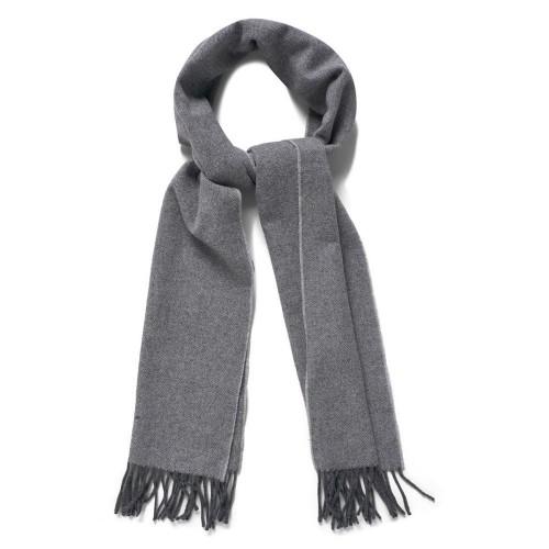 herringbone-scarf-9920030-hals